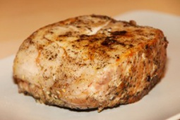 Pieczony schab z sosem pieczarkowym