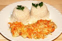 Polędwiczki z piersi kurczaka zapiekane w warzywach