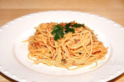 100045-spaghetti_alla_puttanesca-fot1a